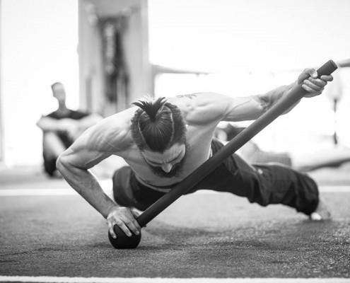 Carlos Condit MovNat training