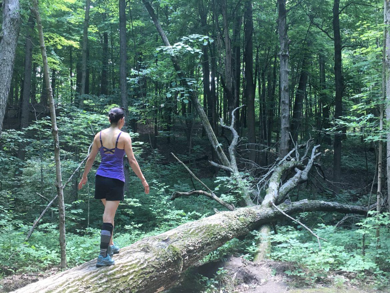 Aika Yoshida - balancing on tree, MovNat